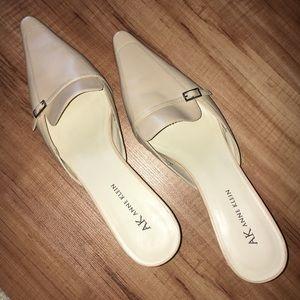 Anne Klein Cream Color Pointed toe heels